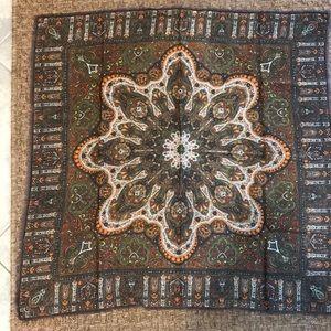 Accessories - Beautiful wool scarf